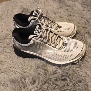 GENTLY USED! - Men's Ghost 10 Brooks